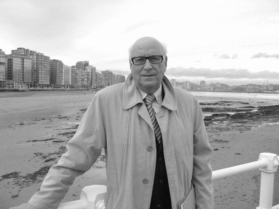Ruiz Lopez blanco y negro