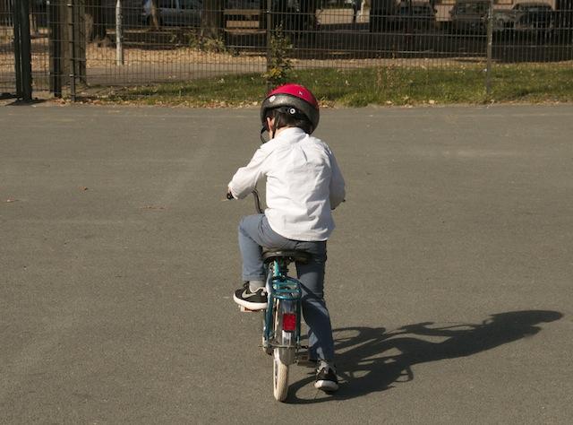 Montando en bici